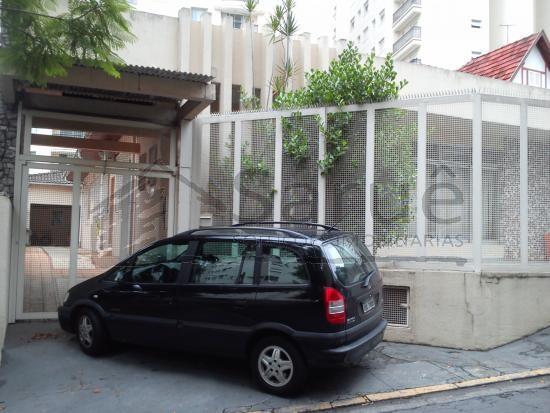 Excelente Imóvel Comercial para venda ou locação na Vila Nova Conceição com 280 m² de área construída em 450 metros de terreno, vagas para 7 carros.