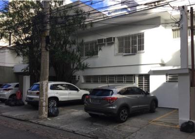 Ótima Casa Comercial para locação em excelente localização na Vila Nova Conceição com 222m² e 3 vagas – R$ 6 mil!!