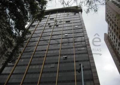 Sala Comercial com 60m², recepção, 2 banheiros, ar condicionado, 2 vagas em edifício com segurança 24 horas junto a estação Masp do Metrô! R$ 4 mil